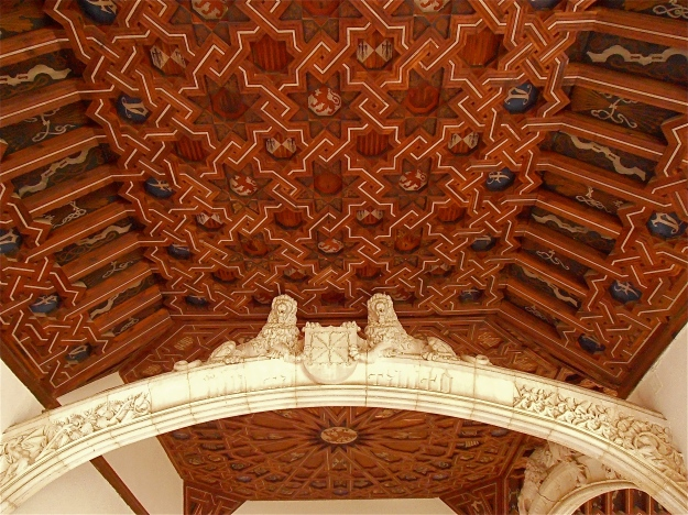 Beautiful wooden carved and painted ceiling, with lion arches :-)