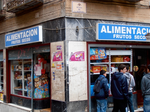 Watch out! This is the most expensive corner shop in the Western hemisphere. Do not go in there. Ever. Not even for an emergency pack of chewing gum. You'll come out with the shirt ripped off your bleedin' back, missing an arm and a leg. (O un riñon, si eres español.)