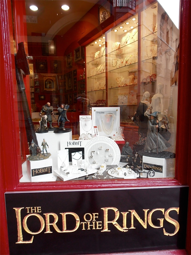 This jewellery shop isn't shy about the fact that the Lord Of The Rings rings were also made in Toledo