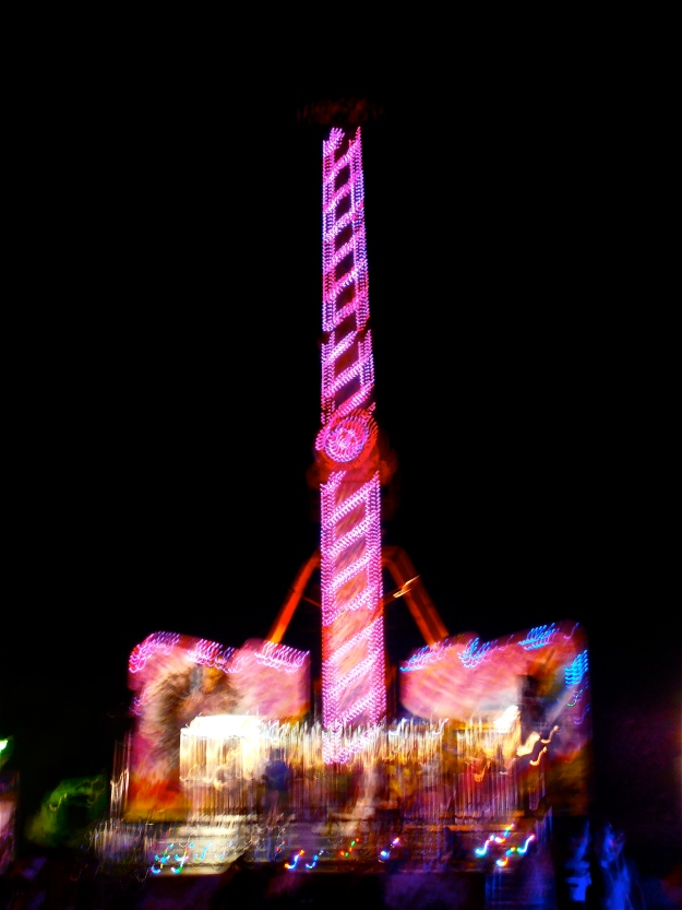 This shot of a fair ride has turned out very fuzzy... but I prefer to call it 'arty' ;-)