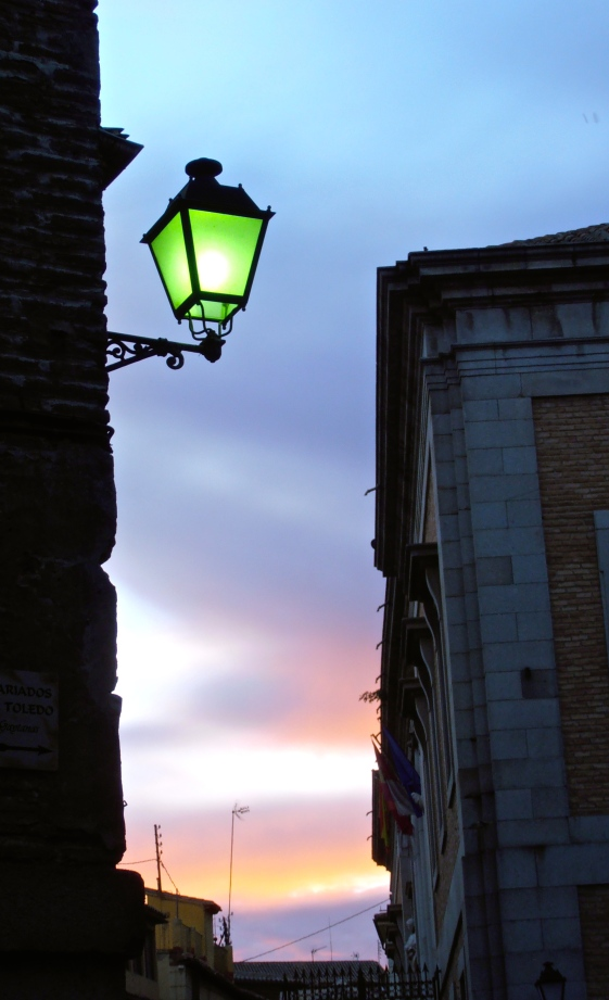 One thing I'd never noticed before is that the street lamps, when they first fire them up, emit a green light before they turn orangey/pink. This only lasts for 10 minutes or so.