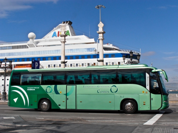 Cruise ship & Bus