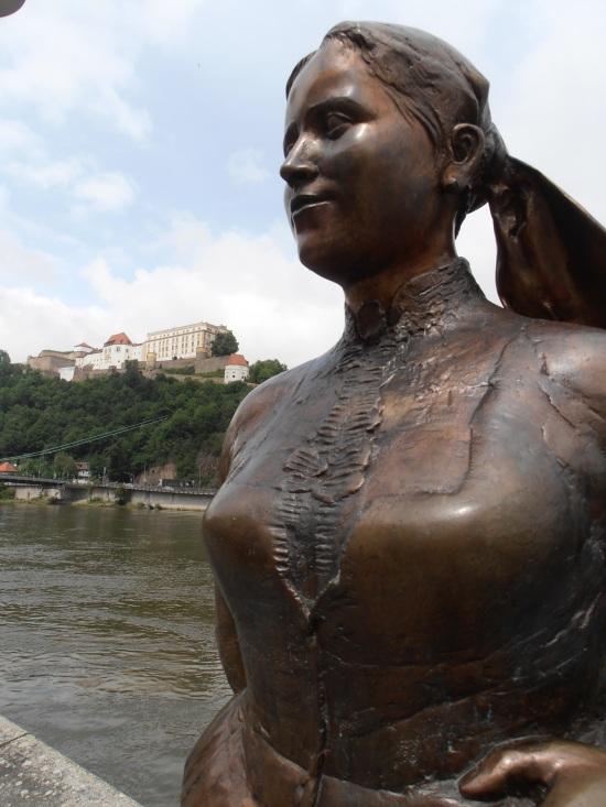 Passau Statue