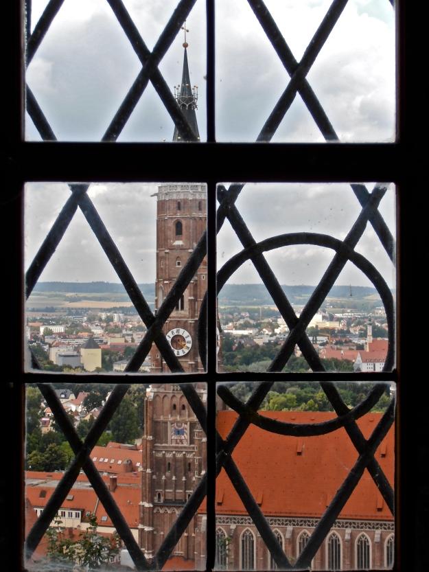 The Martinskirche through a window.