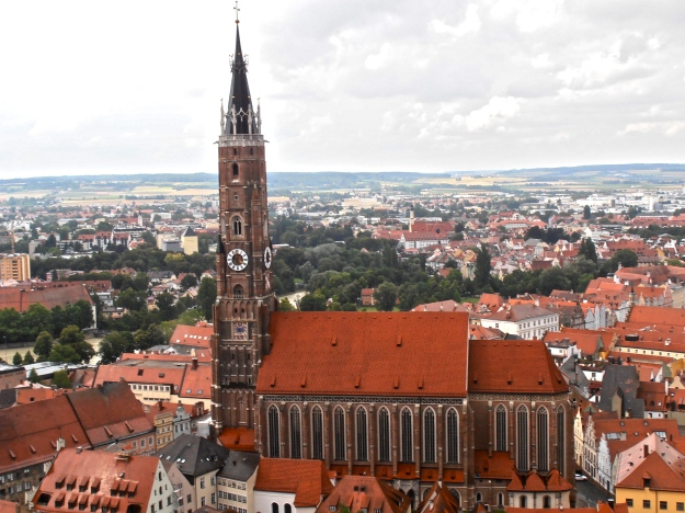 Martin's church steeple is Bavaria's highest church steeple.