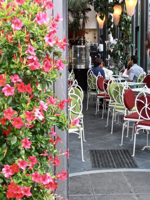 A pretty café