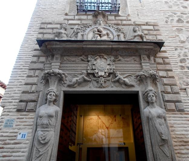 Colegio de Infantes Entrance