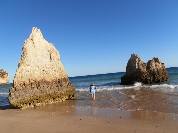 Alvor Beach - rocks
