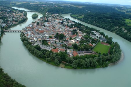 I did not take this photo of Wasserburg myself, but I didn't want to deprive you of the beauty of this pespective