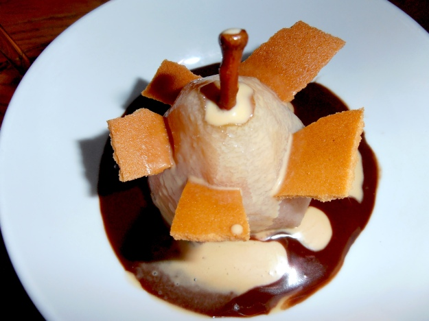 Poached pear anyone? Now this one was absolutely delicious :)